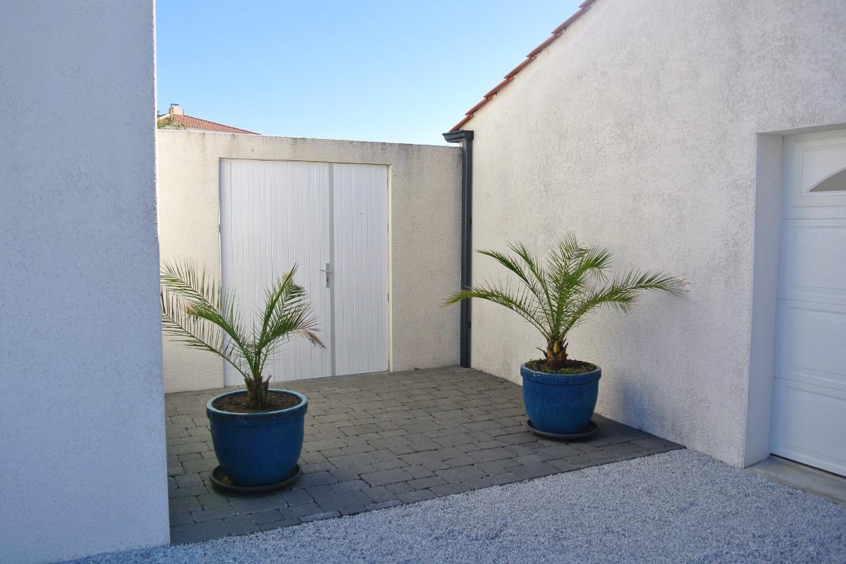 Entrée côté jardin