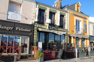 Commerce sur les quais de La Chaume