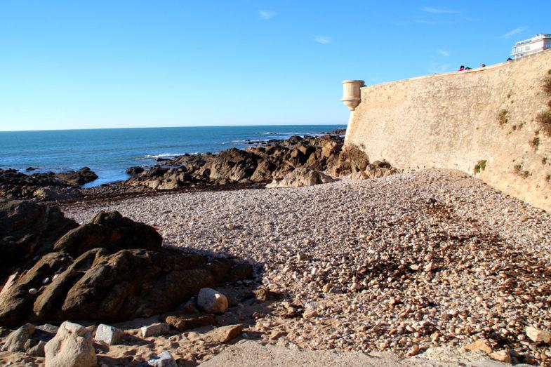 Les remparts du prieuré Saint Nicolas